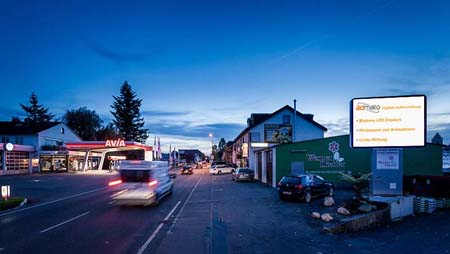 LED Display an der B27 in Ofterdingen